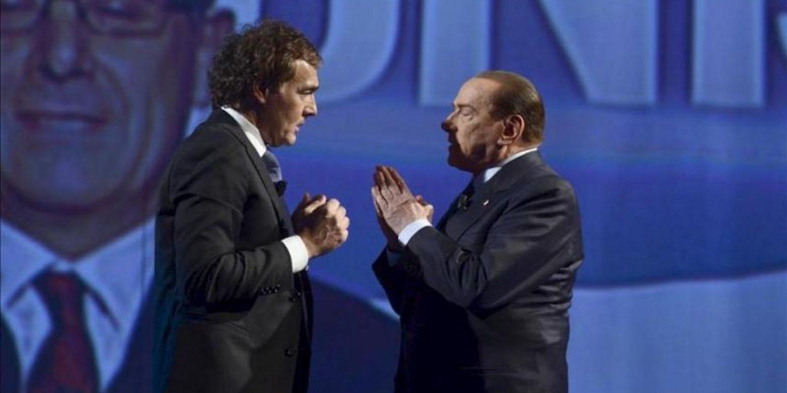 En la imagen, el ex primer ministro Silvio Berlusconi, durante su participación hoy en un programa de tv. EFE