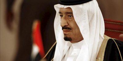 El príncipe heredero de Arabia Saudí, Salman bin Abdelaziz, participa en la sesión inagural de la cumbre anual de los países del Consejo de Cooperación del Golfo (CCG), en Manama, Baréin, el 24 de diciembre del 2012, donde abordarán la colaboración en materia económica y de seguridad entre sus miembros y analizar las crisis regionales. EFE