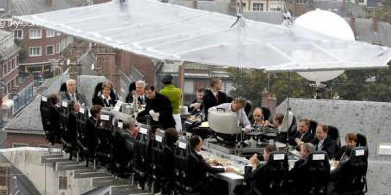 Cenar en el cielo en Bruselas, ¿porqué no? Foto:Dailypix