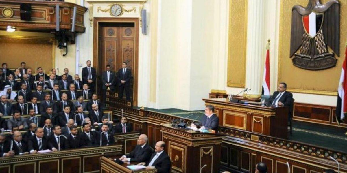 Mursi da por finalizada la transición en Egipto con la nueva Constitución