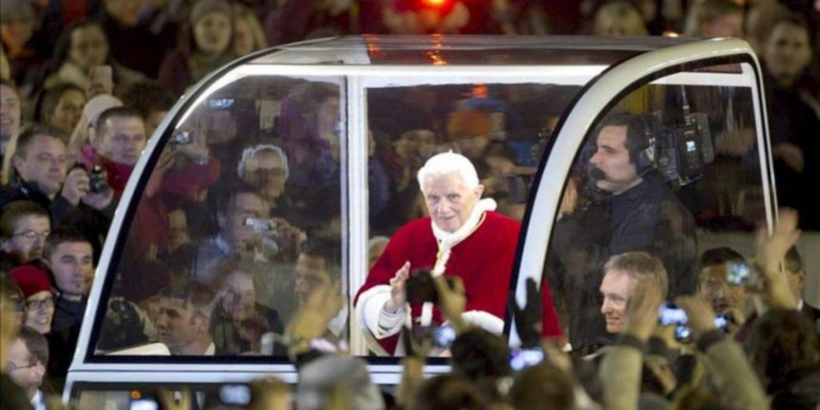 """El papa Benedicto XVI dijo hoy que """"el mal y el sufrimiento de los inocentes"""" pueden despertar """"dudas"""" en la fe. EFE"""