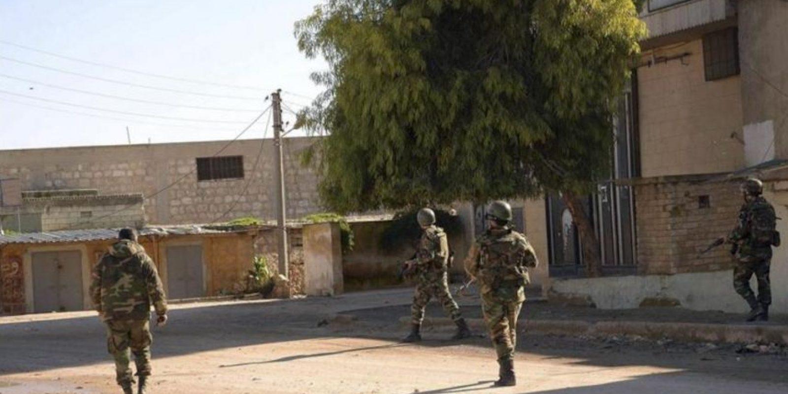 Imagen cedida por la agencia árabe siria de noticias (SANA), patrullando por Jebrin, en la provincia rural del Aleppo, Siria, el pasado jueves. EFE