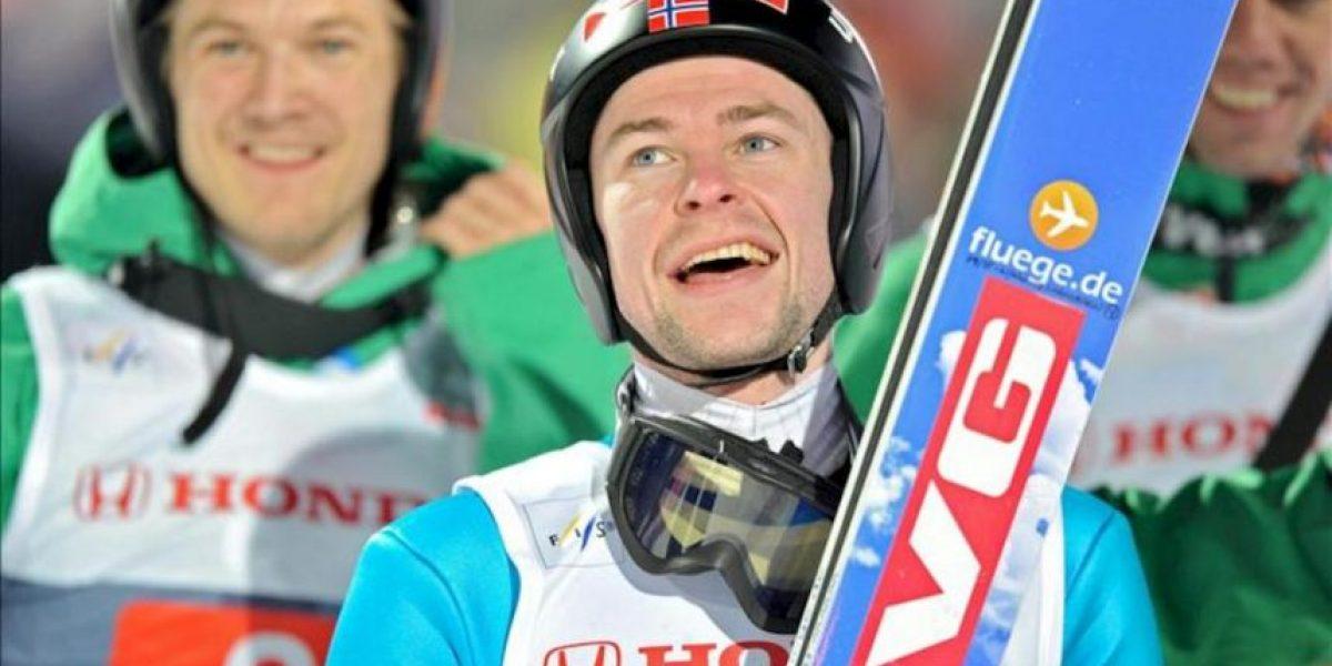Jacobsen sorprende a Schlierenzauer y es primer líder al ganar en Oberstdorf