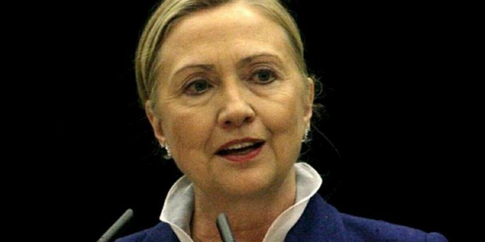 En la imagen un registro de la secretaria de Estado de EE.UU., Hillary Clinton, quien fue ingresada al Hospital Presbiteriano de Nueva York, después de que le fuera descubierto un coágulo de sangre, según informó su portavoz, Philippe Reines. EFE/Archivo