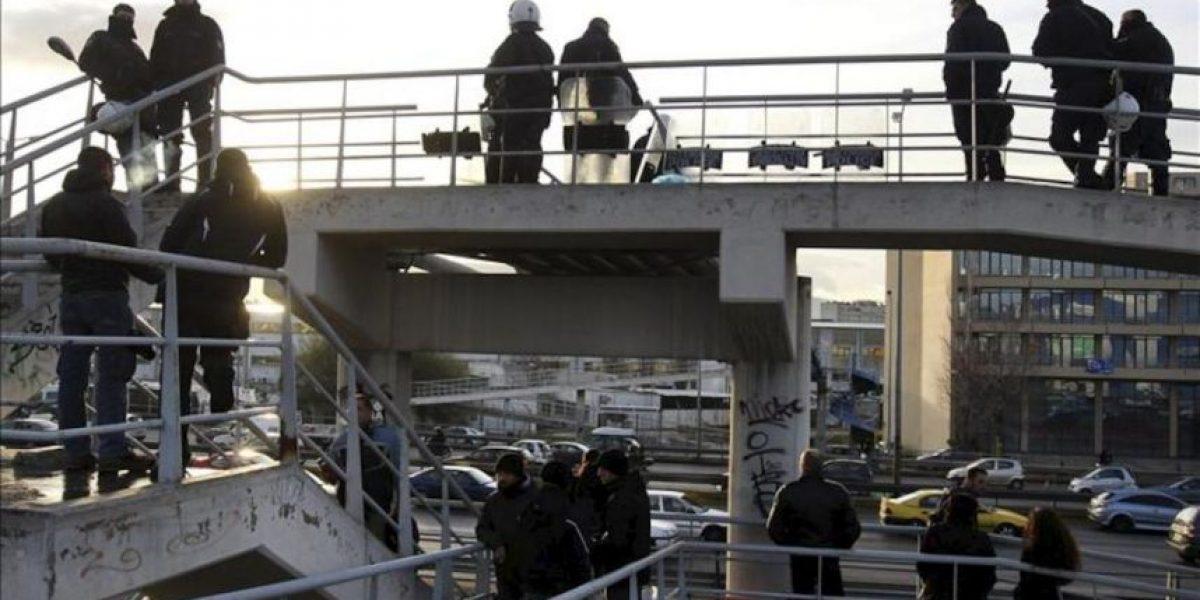 El Gobierno griego acaba por la fuerza con la huelga del metro