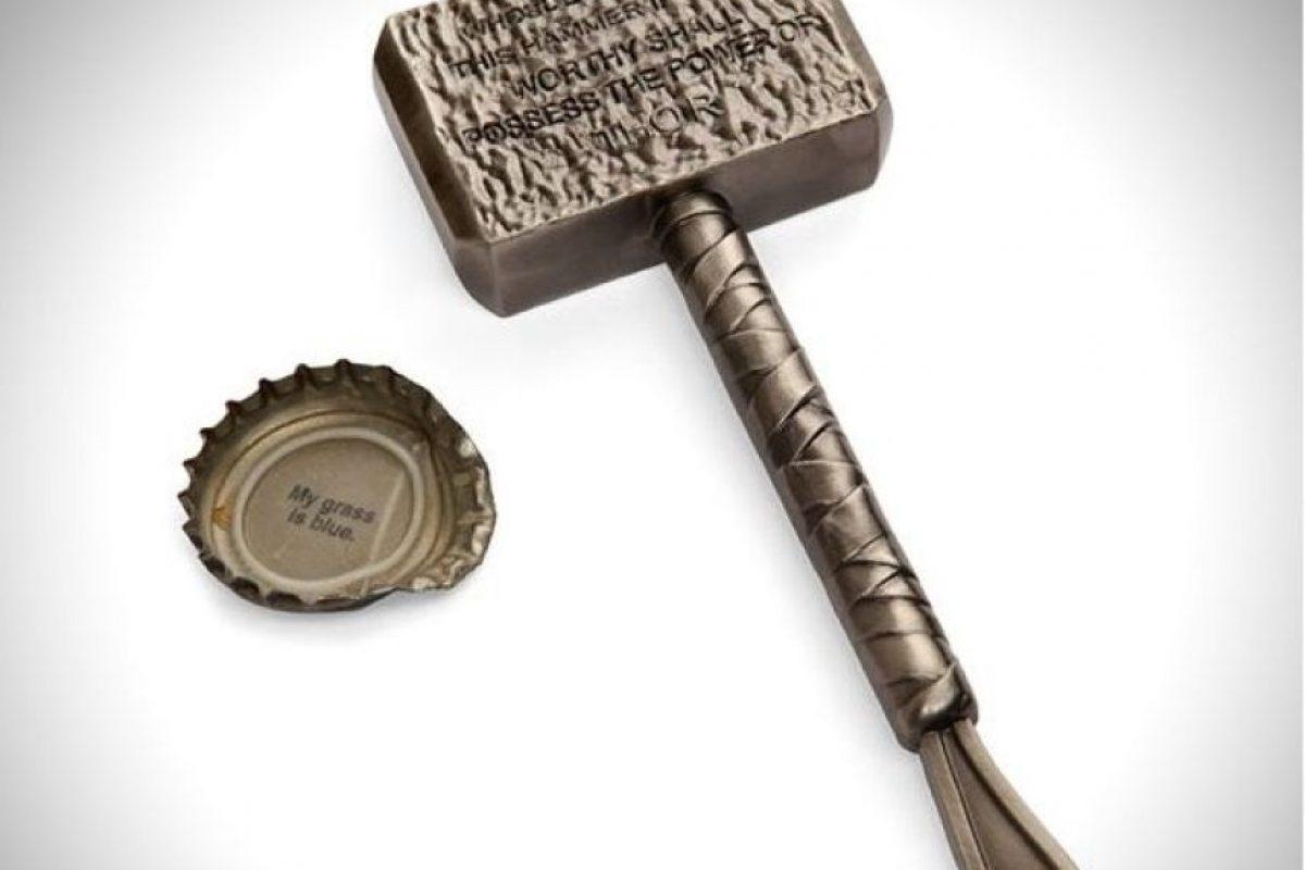 Destapador/martillo de Thor Foto:Publimetro México