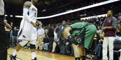 Los Hawks tuvieron que reponerse a una desventaja de 27 puntos en la primera mitad del partido antes de lograr la victoria y dejar en plena crisis a los Celtics, que la pasada noche en su campo también perdieron (86-89) en la recta final ante los Knicks de Nueva York. EFE