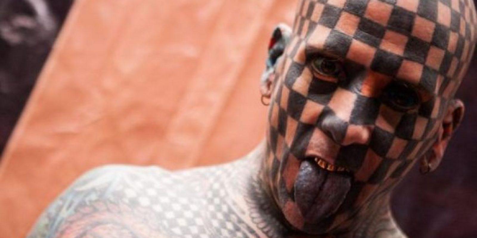 """El estadounidense MattGoneo, conocido popularmente como el """"hombre tablero de ajedrez"""". Foto:Cortesía"""