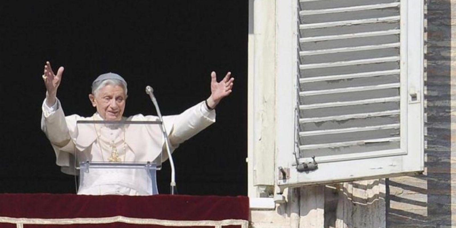 Imagen del Papa Benedicto XVI, hoy en el tradicional rezo del Angelus. EFE