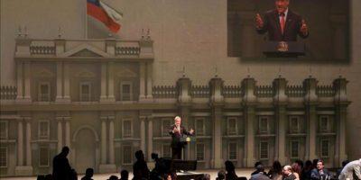 El presidente de Chile, Sebastián Piñera, interviene este domingo 27 de enero de 2013, durante la ceremonia de inauguración de la Cumbre de la Comunidad de Estados Latinoamericanos y Caribeños (Celac), en Santiago de Chile. EFE