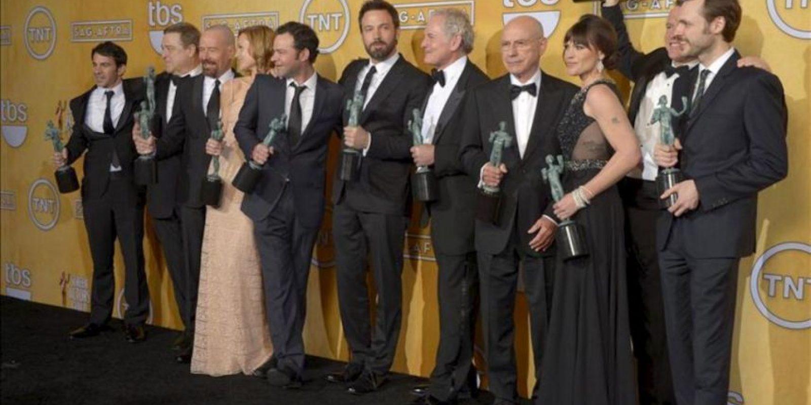 """En la imagen, reparto de la película """"Argo"""", ganadora en la 19 edición de los premios SAG del sindicato de actores de EE.UU. EFE"""