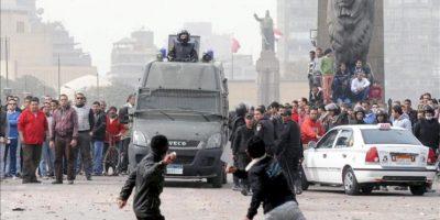 En la imagen de ayer, protestas en la Plaza de Tahrir, en El Cairo. EFE