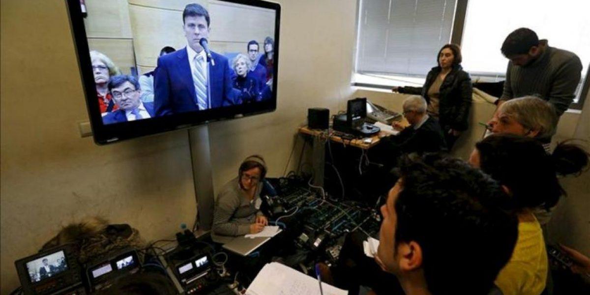 Fuentes admite su pánico a la prensa, pero no las preguntas de la acusación