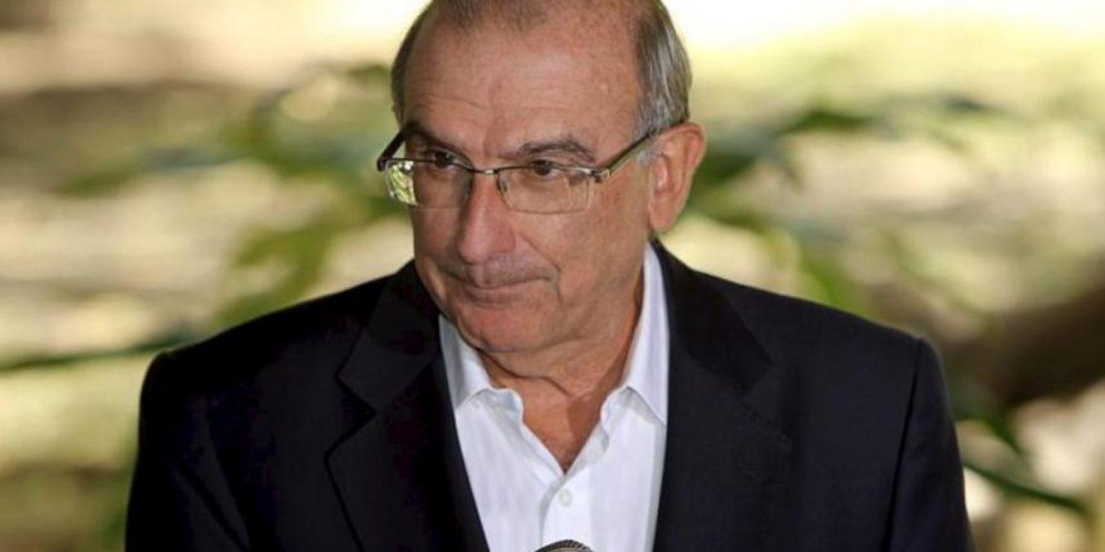 En la imagen un registro del exvicepresidente de Colombia y jefe del equipo negociador del Gobierno colombiano, Humberto de la Calle. EFE