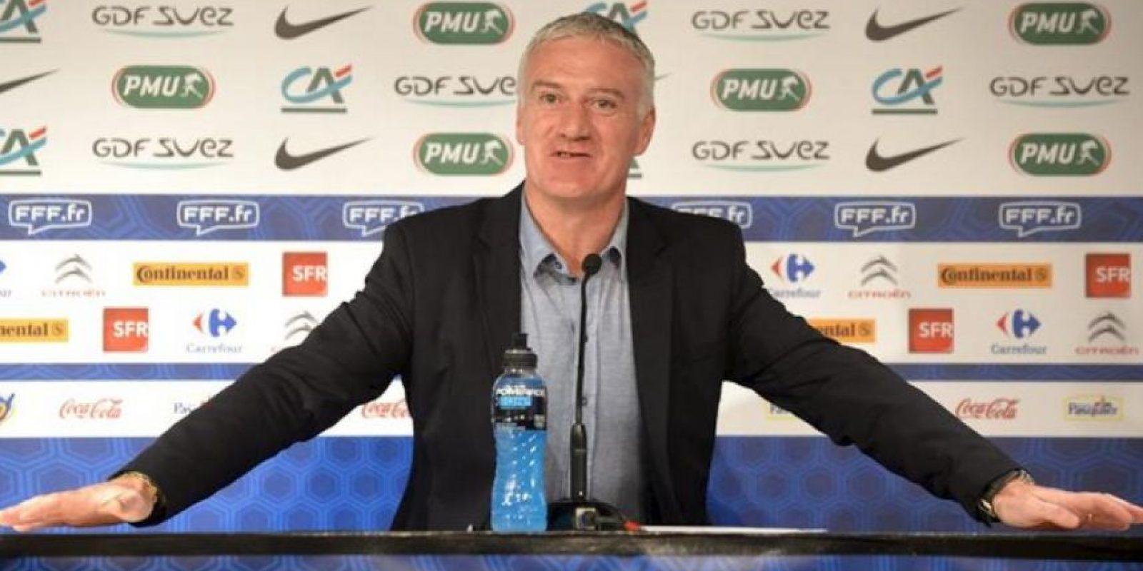El seleccionador francés, Didier Deschamps, durante una rueda de prensa celebrada hoy en París en la que anunció la lista de jugadores que jugaran el amistoso ante Alemania el próximo 6 de febrero. EFE