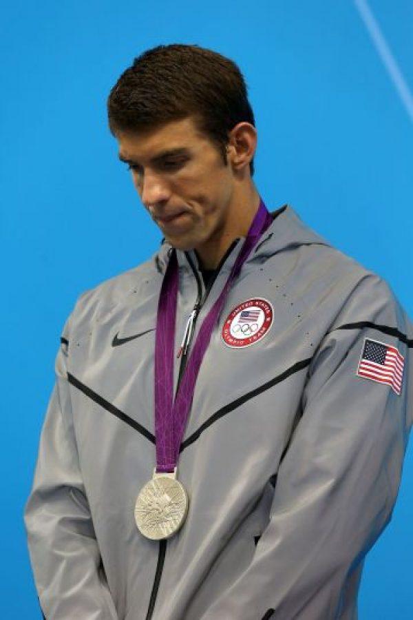 Natación Michael Phelps: La imagen que le costó el contrato El nadador profesional, y ganador de ocho medallas de oro olímpicas, perdió un contrato con la marca de cereales Kelloggs después de la publicación de una foto en la que aparecía fumando marihuana de una pipa, en 2009. Foto:Getty Images