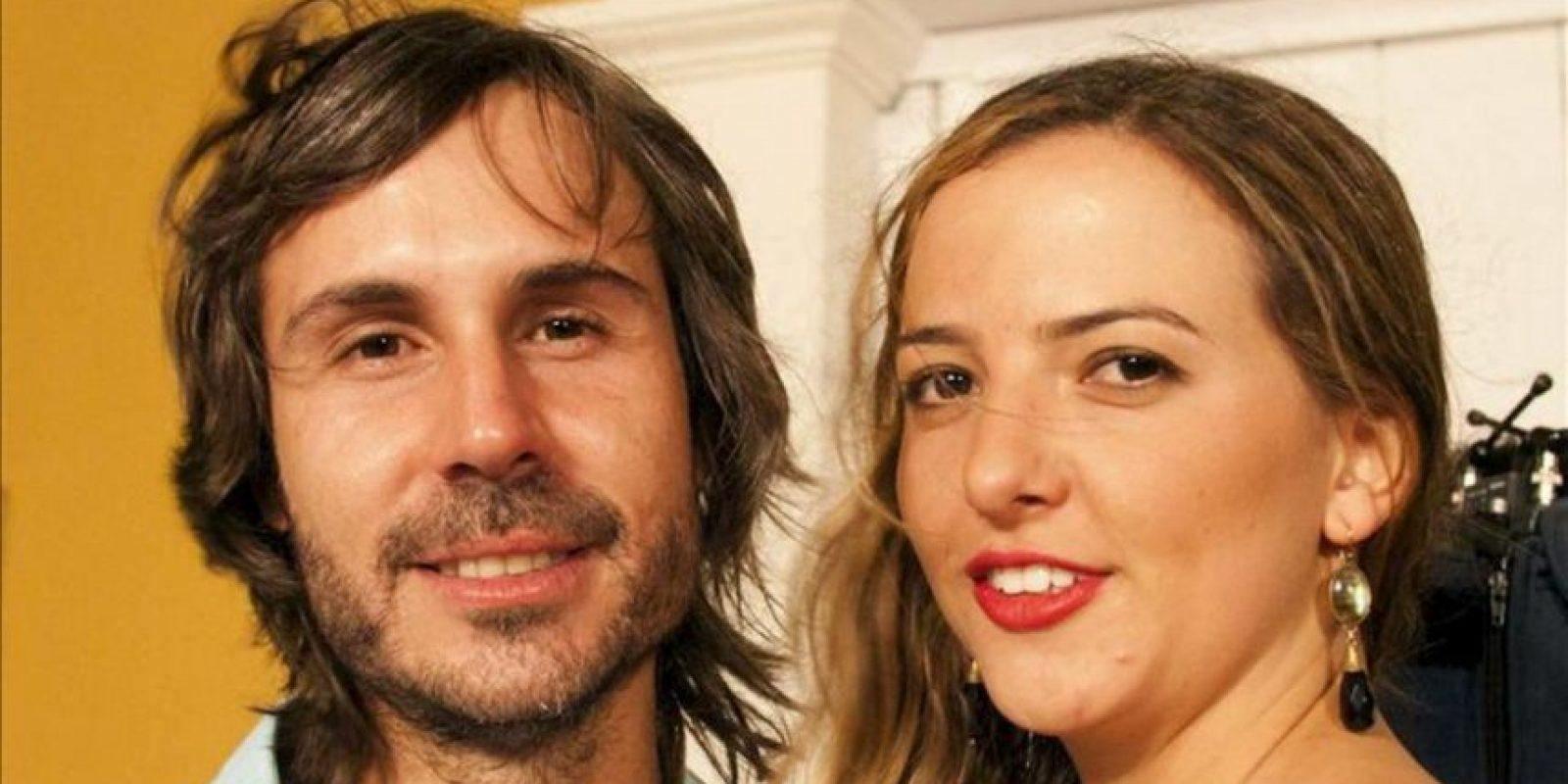 El cineasta colombiano Andrew Baiz (i) y Manuela Santos (d) durante la gala de inauguración del 53 Festival Internacional de Cine (FICCI) en Cartagena (Colombia). EFE