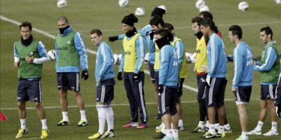 Los jugadores del Real Madrid, durante el entrenamiento del equipo esta mañana en Valdebebas de cara a al partido de Liga que jugarán el próximo sábado frente al Deportivo en el estadio de Riazor. EFE