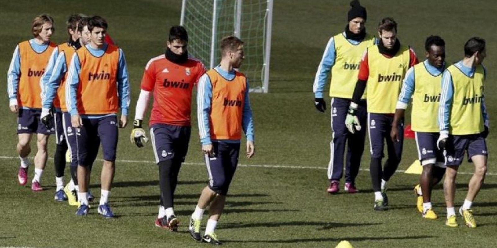 Los jugadores del Real Madrid durante el entrenamiento del equipo esta mañana en Valdebebas de cara a al partido de Liga que jugarán el próximo sábado frente al Deportivo en el estadio de Riazor. EFE