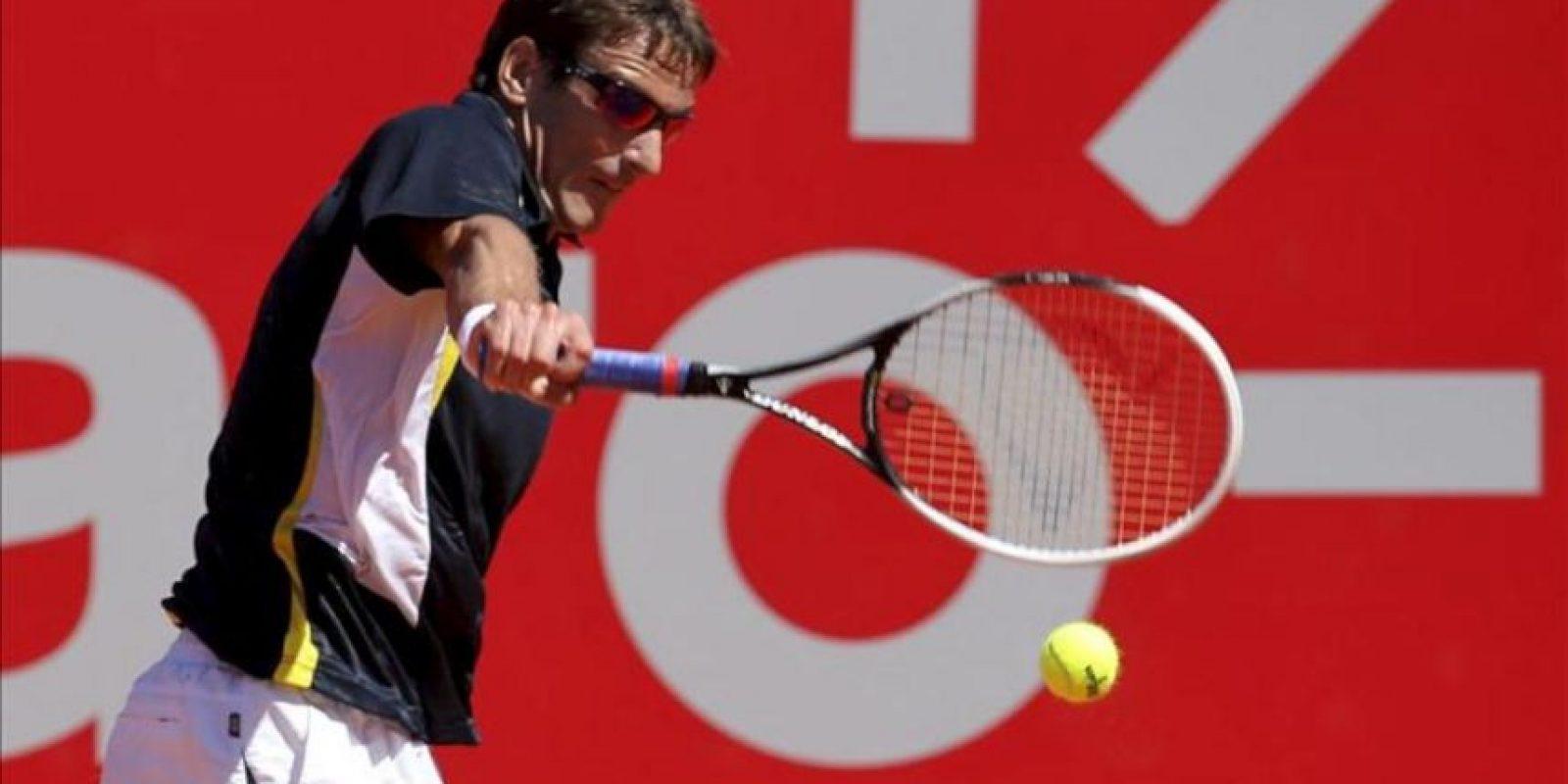 El español Tommy Robredo durante un partido de cuartos de final del ATP 250 de Buenos Aires Copa Claro disputado ante el alemán Julian Reister este 22 de febrero, en el Lawn Tenis Club de Buenos Aires (Argentina). EFE