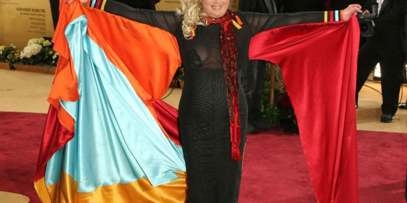 Sally Kirlkland, para los Óscar de 2007, combinó los elementos para un traje cosplay o de Comic- Con. Foto:Philly