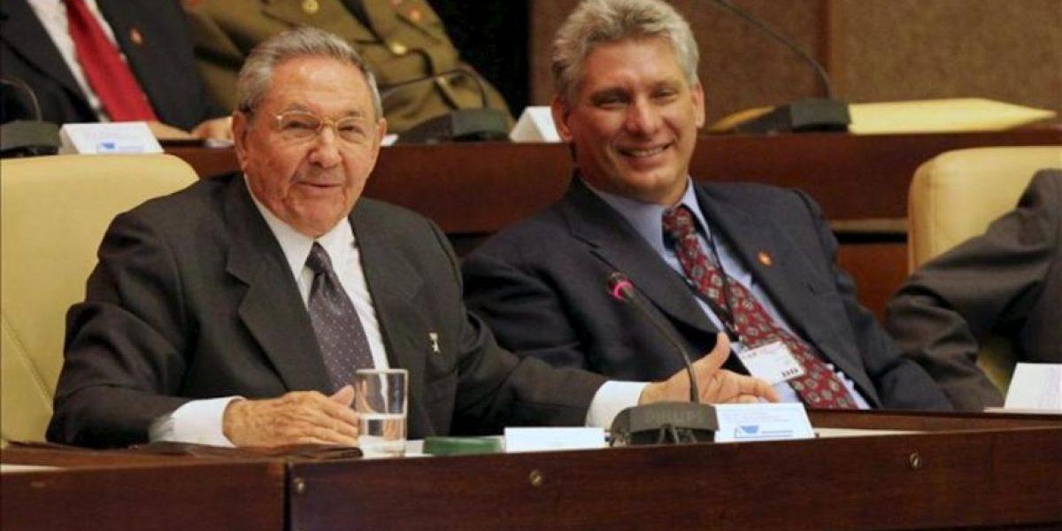 Raúl Castro inicia su último mandato presidencial y encamina el relevo