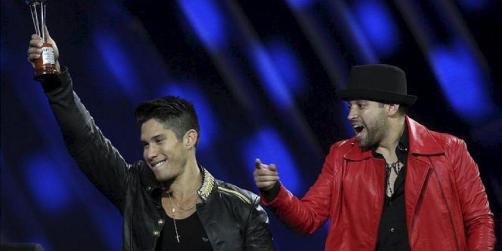 """El dúo venezolano Chino (d) y Nacho consagró los ritmos bailables y urbanos, fusionados con toques pop y tropicales, como una de las recetas """"supremas"""" del Festival de Viña del Mar. EFE"""