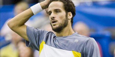 El tenista español Feliciano Lopez durante el partido que le ha enfrentado al japonés Kei Nishikori y en el que ha caido derrotado. EFE