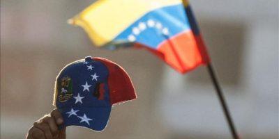 En la imagen un detalle de una gorra tricolor, símbolo de los opositores venezolanos. EFE/Archivo