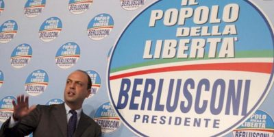 """Angelino Alfano, secretario político del partido """"El Pueblo de la Libertad"""", ofrece una rueda de prensa hoy, lunes 25 de febrero de 2013, en Roma (Italia). EFE"""