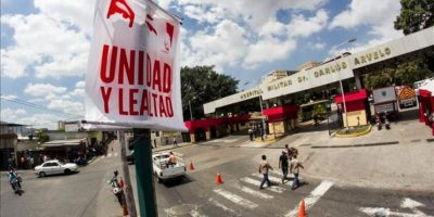 Fotografía de la entrada al Hospital Militar Dr. Carlos Arvelo donde se encuentra internado el presidente de Venezuela, Hugo Chávez, en Caracas (Venezuela). EFE