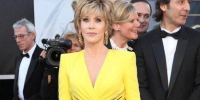 Jane Fonda muestra porqué es una de las divas del cine. El color perfecto, y el vestido, sin ser obvio, es sugerente y elegante. Acorde para el evento y su edad. Foto:E!