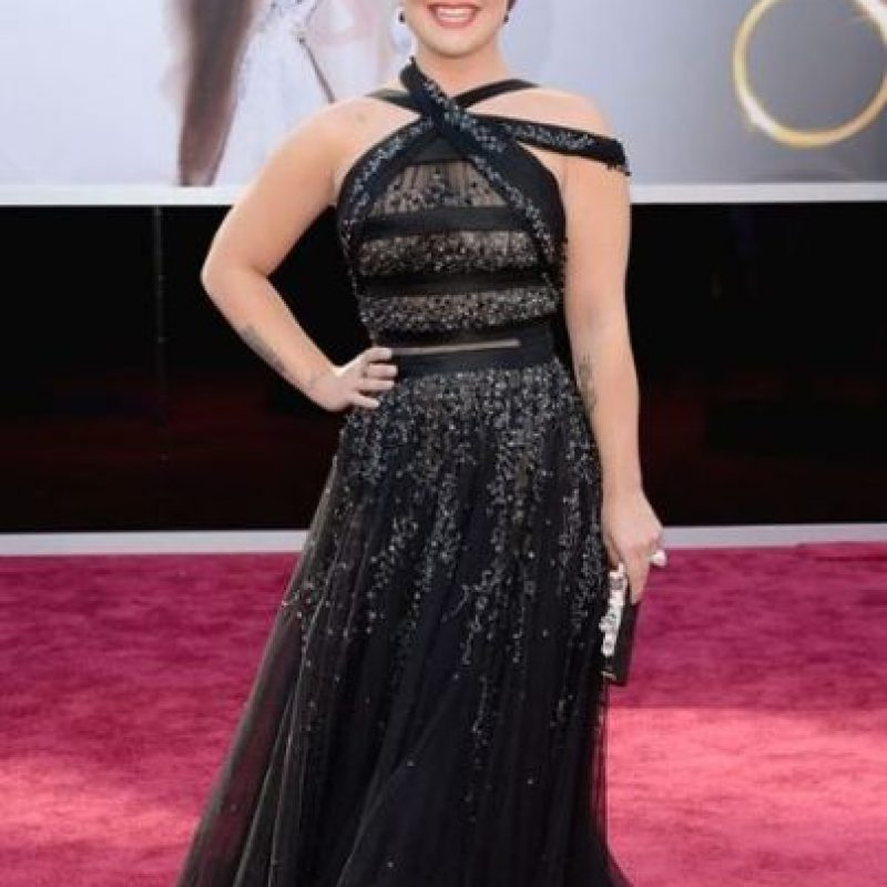 Kelly Osbourne aprendió de los Grammy, y usó un vestido más apropiado para la ocasión y su figura Foto:Getty Images