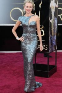 Naomi Watts, impactante en su asimétrico Armani Privé Foto:E!