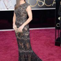 Majestuoso Elie Saab el de Sandra Bullock. El peinado, siempre el mismo. Foto:E!
