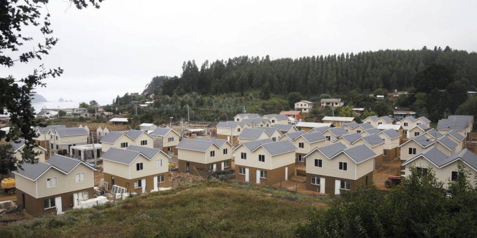 Vista general, tomada el 4 de febrero de 2012, de la primera villa reconstruida en la localidad de Dichato (Chile), afectada por el terremoto que azotó a chile el 27 de febrero de 2010. Foto:Archivo EFE/ARIEL MARINKOVIC