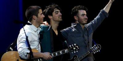 El grupo estadounidense Jonas Brothers, durante su actuación anoche en la tercera jornada de la 54 edición del Festival Internacional de Viña del Mar (Chile). EFE