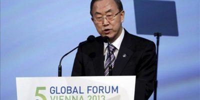 El secretario general de las Naciones Unidas, Ban Ki-moon, pronuncia un discurso durante la inauguración del V Foro de la Alianza de Civilizaciones en Viena, Austria, el 27 de febrero de 2013. EFE
