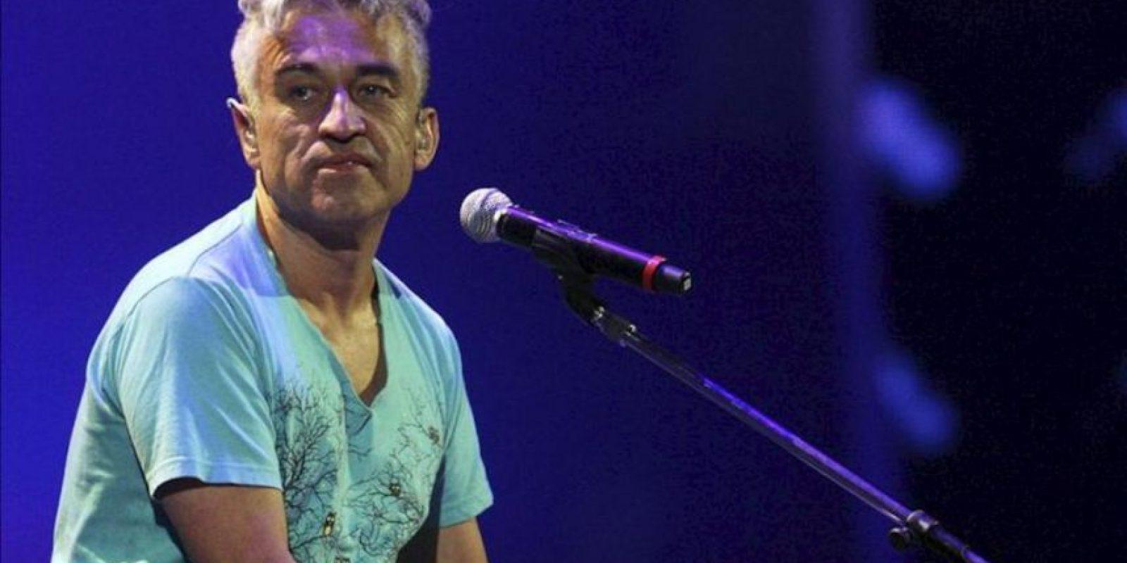 El cantante chileno Jorge González, durante su actuación anoche en la cuarta jornada de la 54 edición del Festival Internacional de Viña del Mar. EFE