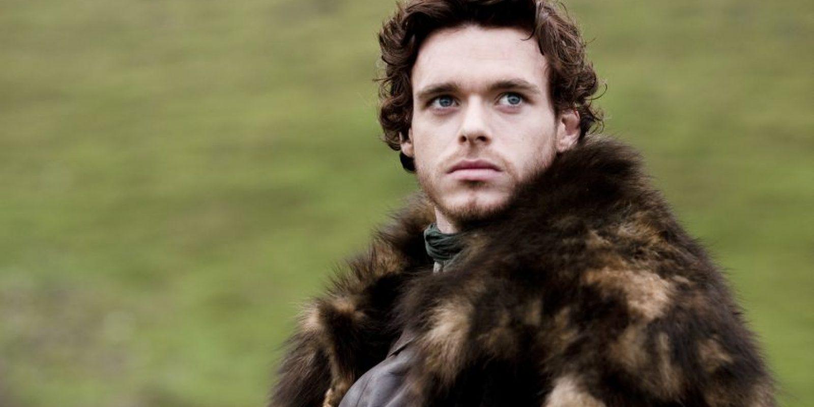 Richard Madden es Robb Stark, hijo mayor de Ned y Catelyn. Él es señor de Invernalia luego de la ejecución de su padre, y se enfrentará a los Lannister por el Trono de Hierro luego de que se sabe el origen de los hijos de Cersei, la esposa de Robert. Foto:HBO Latinoamérica