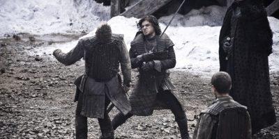 Kit Harington es Jon Snow, hijo bastardo de Ned Stark. Esto no le gusta mucho a Catelyn, pero el parece llevarse bien con su padre y con sus hermanos, sobre todo Arya y Robb. Ingresa a la Guardia de la Noche y desde allí se desarrollará su historia. Foto:HBO Latinoamérica