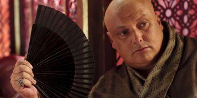 Conleth Hill es Varys, un ministro eunuco que también ha sobrevivido con astucia en la corte del rey Robert y luego en la de Joffrey. Se entera de todo lo que pasa en palacio antes de que los mismos protagonistas lo sepan. Foto:HBO Latinoamérica