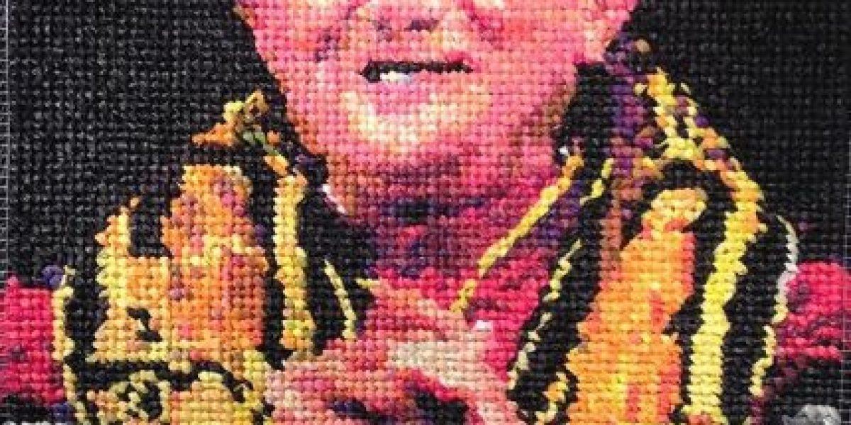 Este es el retrato de Benedicto XVI hecho enteramente de condones