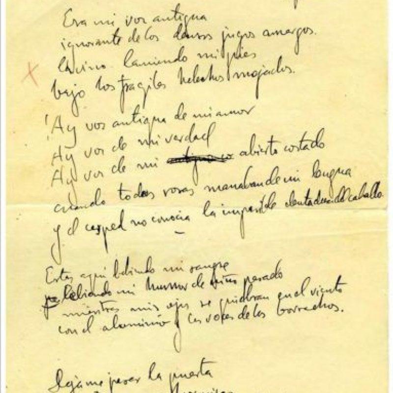 """Pocas semanas antes de su muerte en Granada Federico García Lorca llegó a Madrid para entregar a José Bergamín en las oficinas de la editorial """"Cruz y Raya"""", el manuscrito de """"Poeta en Nueva York"""". Ahora por primera vez una edición, preparada por el hispanista británico Andrew A. Andenrson, recoge este original tal y como él lo creó. EFE"""