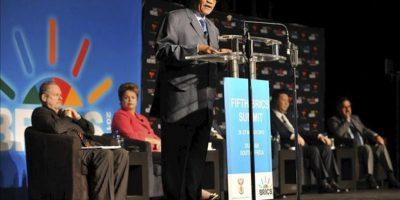 El presidente sudafricano, Jacob Zuma (c), pronuncia un discurso durante un encuentro celebrado hoy en el ámbito de la 5ª Cumbre del grupo BRICS (Brasil, Rusia, India, China y Sudáfrica) en Durban (Sudáfrica). EFE