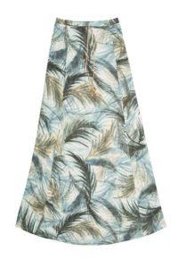 Si no es partidaria de piezas enteras, puede usar esta falda de Rapsodia con un top sencillo. Foto:Rapsodia