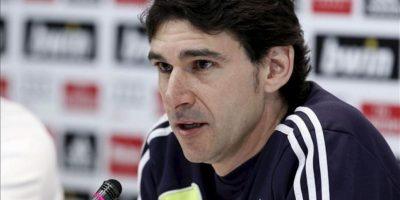 Aitor Karanka, segundo entrenador del Real Madrid, durante la rueda de prensa que ha ofrecido hoy tras el último entrenamiento de la plantilla en la Ciudad del Real Madrid en Valdebebas de cara al partido de mañana ante el Zaragoza en La Romareda. EFE