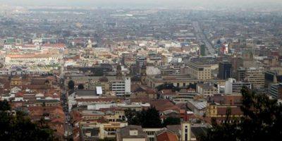 Vista general de la ciudad de Bogotá, donde el metro cuadrado alcanza los siete millones de pesos (3.829 dólares), en zonas del norte, y donde en las áreas más exclusivas un apartamento cuesta el doble que en Miami (Estados Unidos). EFE