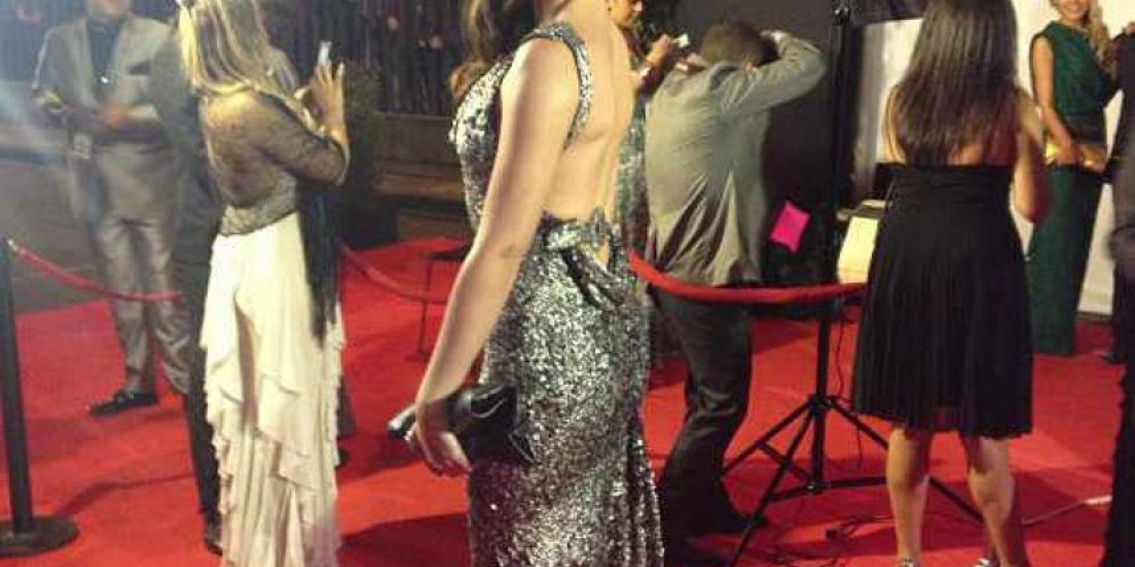 Taliana Vargas reunió todos los aspectos comunes de la alfombra roja de este año: Brillo, silueta ajustada y ciertos toques de diseño, incluido el cabello largo ladeado. Al ser ícono de la moda elegido por voto popular hace algún tiempo, debió arriesgarse un poco más. Foto:E! Online Latino/Instagram