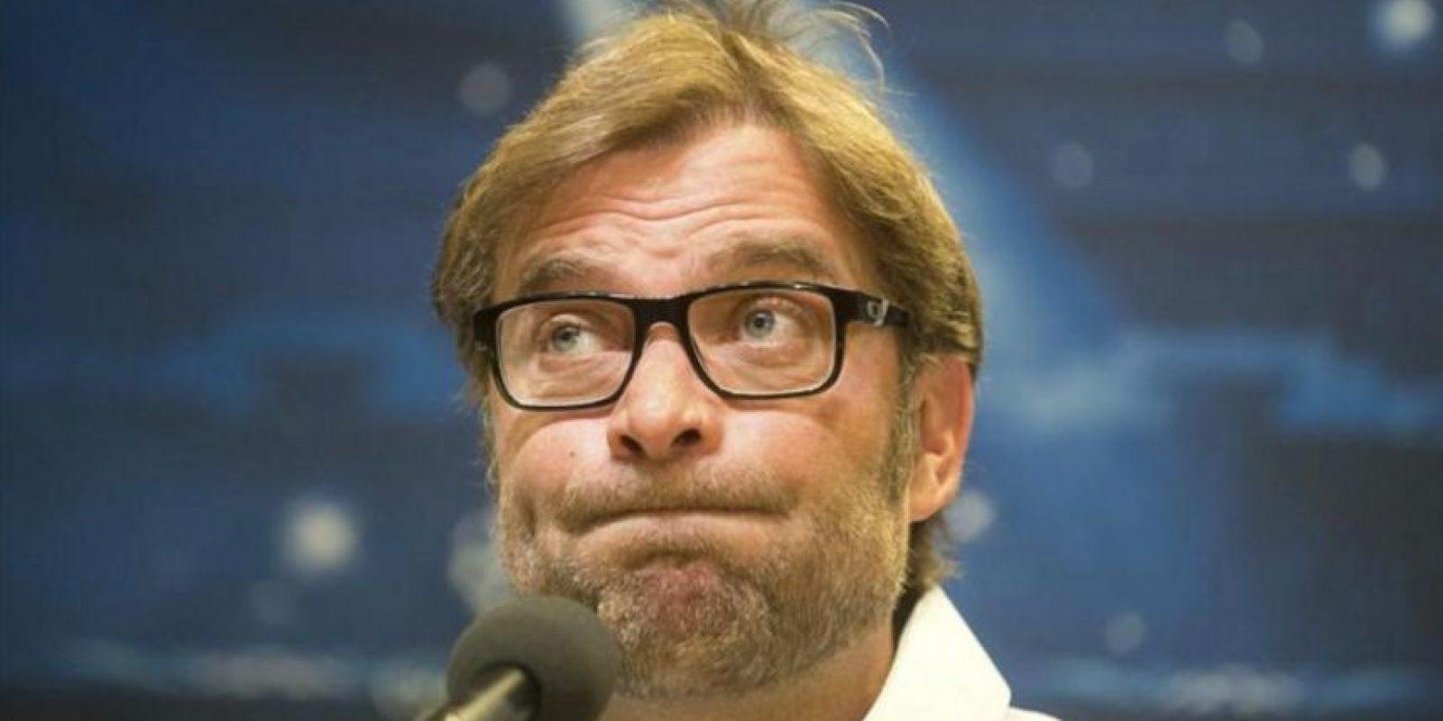 El entrenador del Borussia Dortmund, Juergen Klopp, gesticula en una rueda de prensa celebrada en Dortmund. EFE